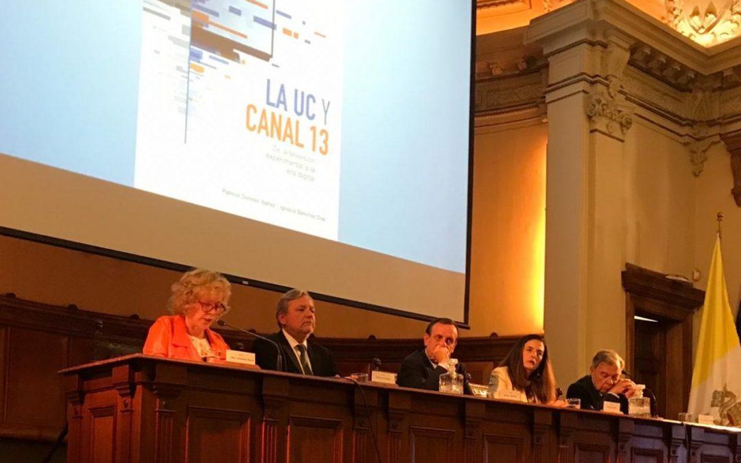 Presidenta CNTV presenta libro sobre la historia de la televisión de la Universidad Católica