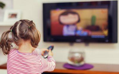 Consumo televisivo alcanza cifra histórica en 2020: 6 horas y 22 minutos por persona al día