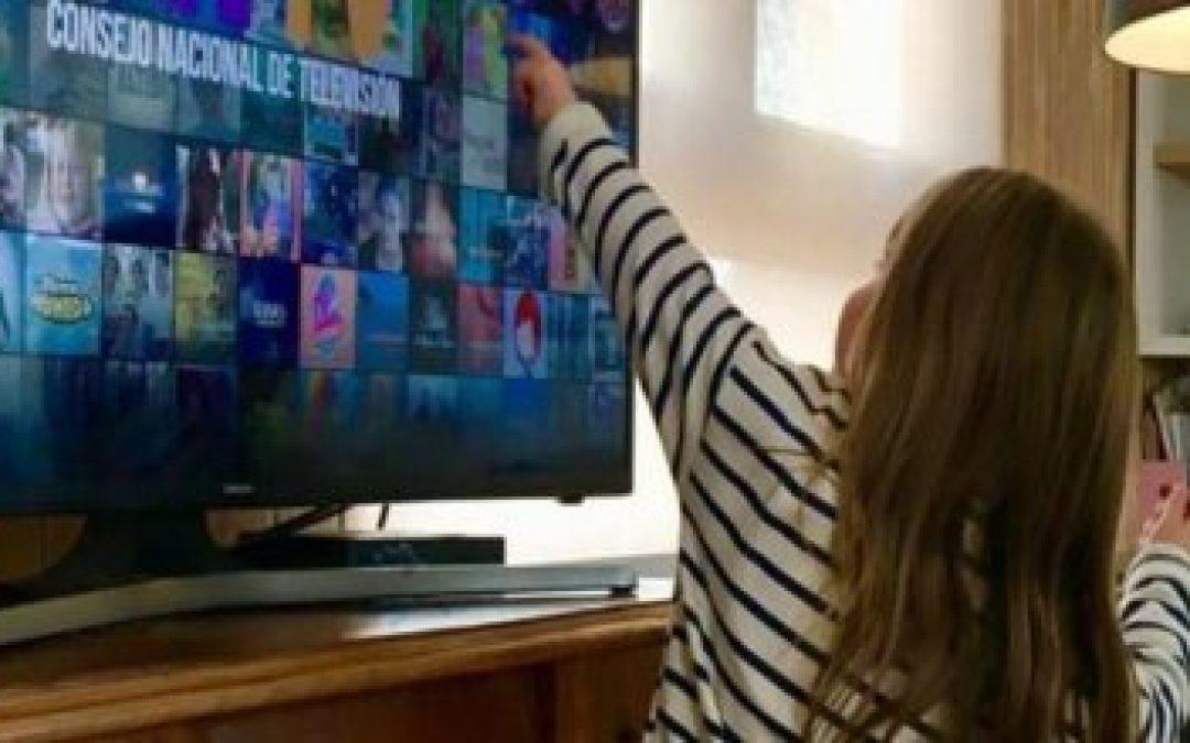 Consumo de Televisión en cuarentena alcanza las 7 horas y resalta aumento de visionado en niños, niñas y adolescentes