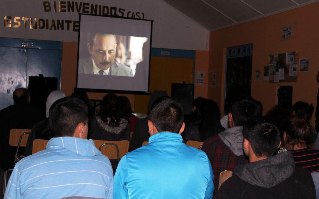 """CNTV exhibe el primer capítulo de la serie """"Príncipes de barrio"""" en centro de detención de menores en Valdivia"""